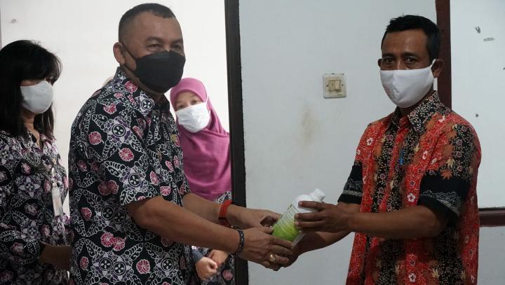 Tingkatkan Produksi dan Produktifitas Pangan, Petani di Purworejo Terima Ribuan Liter Pupuk Hayati Cair dari Kementerian Pertanian