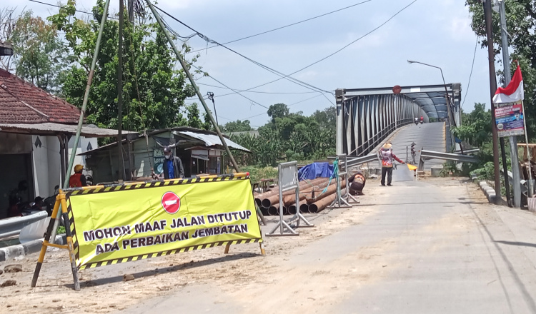 Diperbaiki, Jembatan Penghubung Bojonegoro Tuban Ditutup