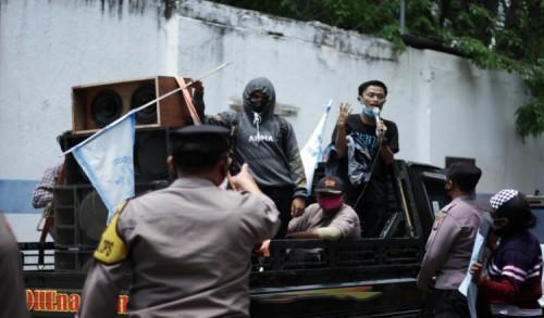 Dengarkan Keluhan Demonstran, Empat Parpol di Situbondo Tunda Kungker Demi Percepat PAPBD
