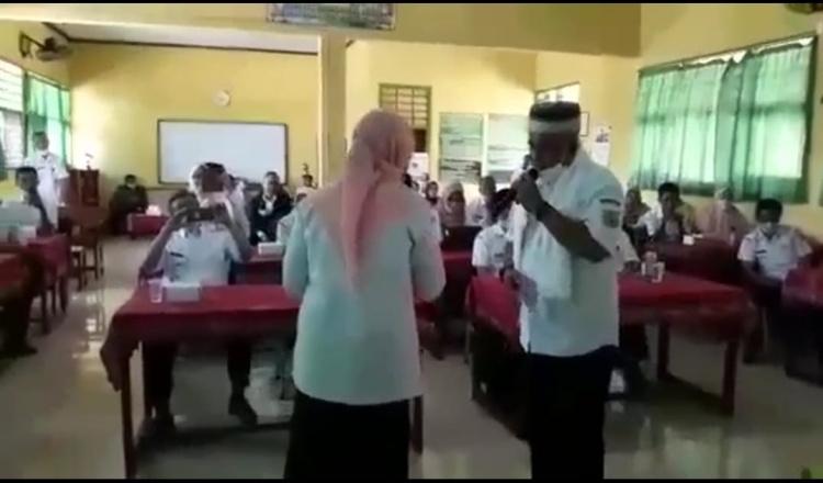 PPKM Darurat, Video Mirip Kepala Disdikbud Bondowoso Asik Singsong Viral di Grup Whatsapp