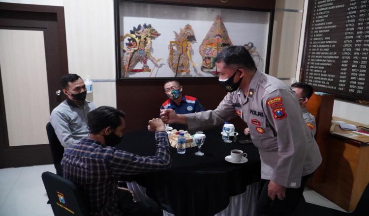 Insiden Polisi dengan Mahasiswa Unras Kunker Jokowi di Ponorogo, Berakhir Damai