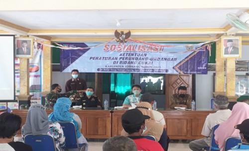 Brantas Rokok Ilegal, Dinas Kominfo Kabupaten Jombang dan Bea Cukai Kediri Sosialisasi Cukai