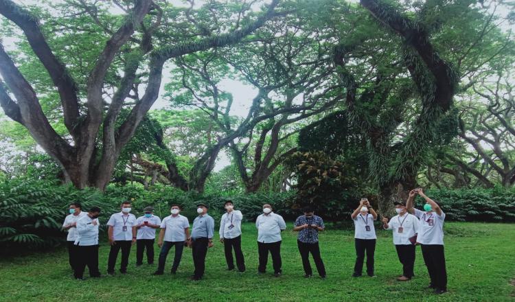 Dirut Perhutani Nikmati Keindahan Wisata di Banyuwangi, Mulai De Djawatan hingga Pulau Merah