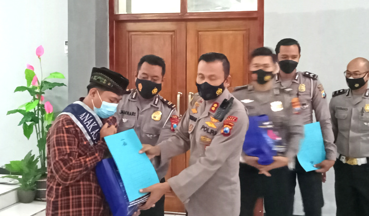 Puluhan Anak Yatim Piatu Dampak Covid-19 Diangkat Jadi Anak Asuh Polantas Polres Tuban