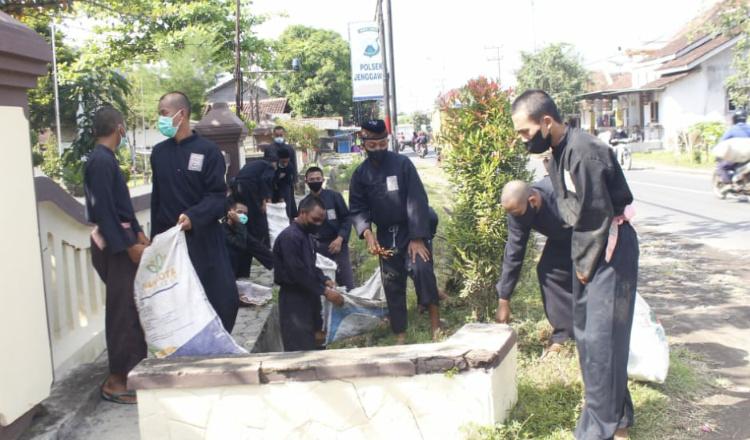 World Clean Up Day Jember, PSHT Terjunkan Lima Ribu Anggota