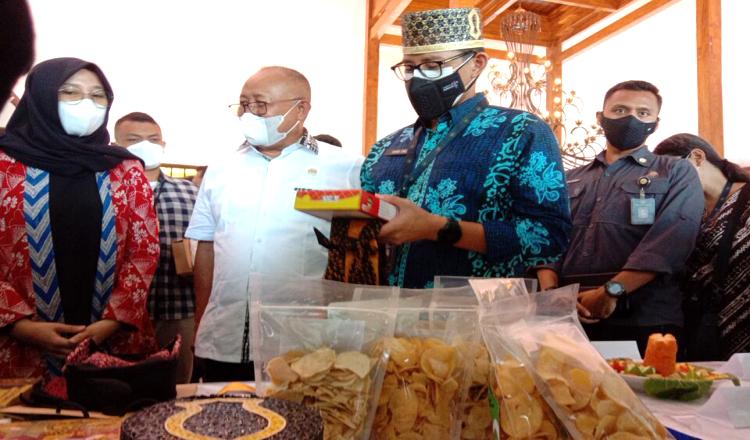 Menteri Sandiaga Dorong Ekosistem Kuliner Banyuwangi Tetap Hidup