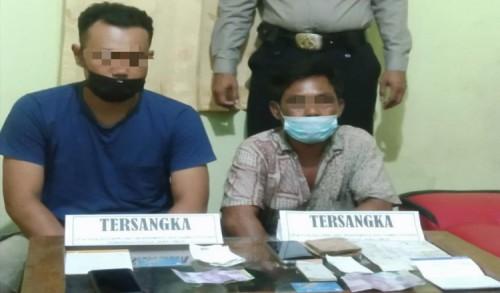 Polisi Tangkap 2 Pelaku Judi Togel Online di Ponorogo