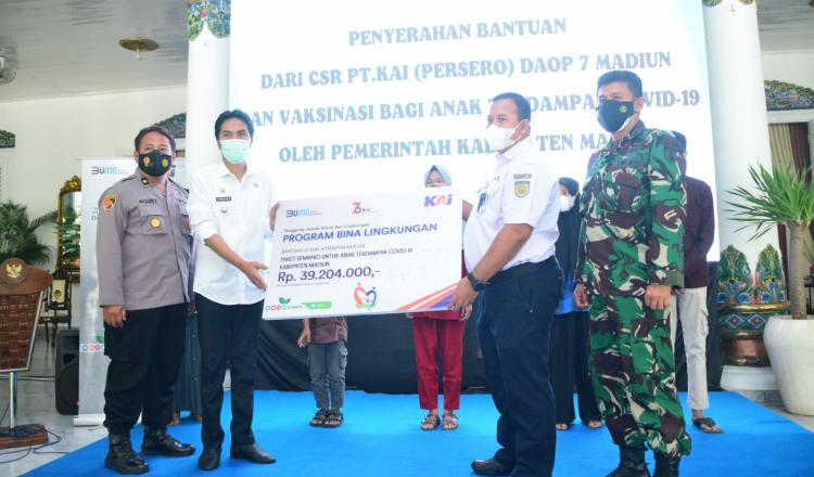 Tiga Pilar Kabupaten Madiun Dampingi Bupati Terima Bantuan CSR Dari PT KAI