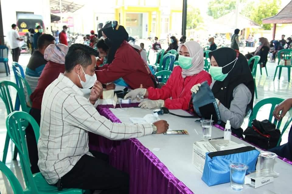 Manfaatkan Reses, Fraksi PKB Bondowoso Gelar Vaksinasi dan Sosialisasi Prokes Covid-19