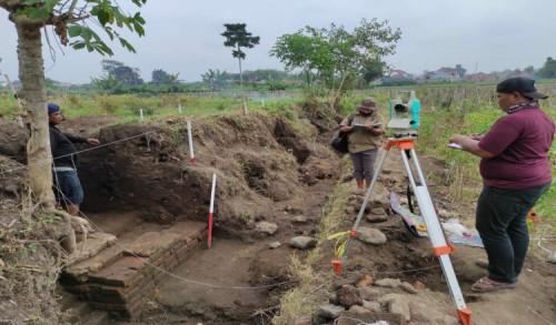 Temuan Struktur Bata Kuno di Persawahan Kota Blitar Diindikasikan Situs Hunian