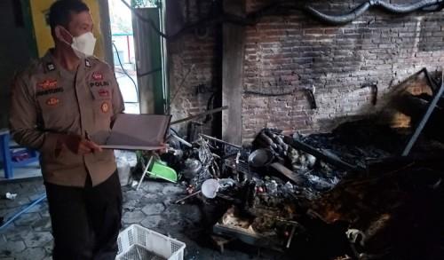 Korsleting Listrik, Dapur Produksi Kerupuk di Ponorogo Hangus Terbakar