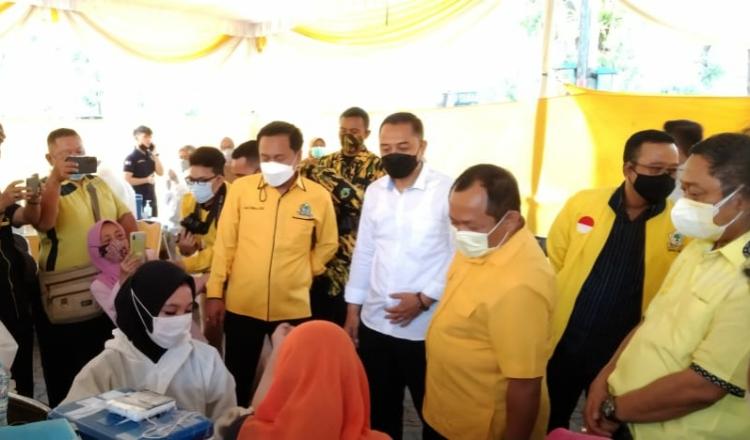 Gebyar Vaksinasi DPD Golkar Surabaya Dapat Antusias Tinggi dari Warga