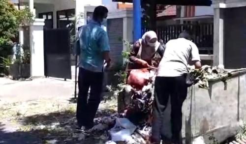 Geledah Sejumlah Kantor Dinas di Probolinggo, Penyidik KPK Sampai Periksa Bak Sampah
