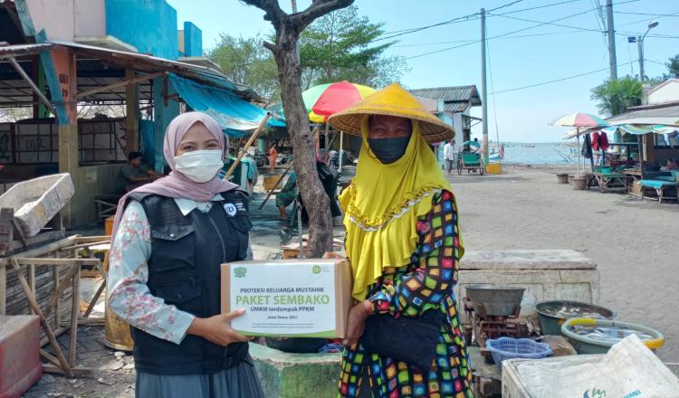 IZI Jatim Bantu Puluhan UMKM Banyuwangi Terdampak Pandemi