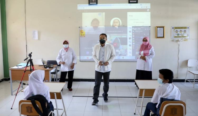 Siswa SD di Surabaya Terpapar Covid Saat Masuk Sekolah, Wali Kota: Bukan Saat PTM