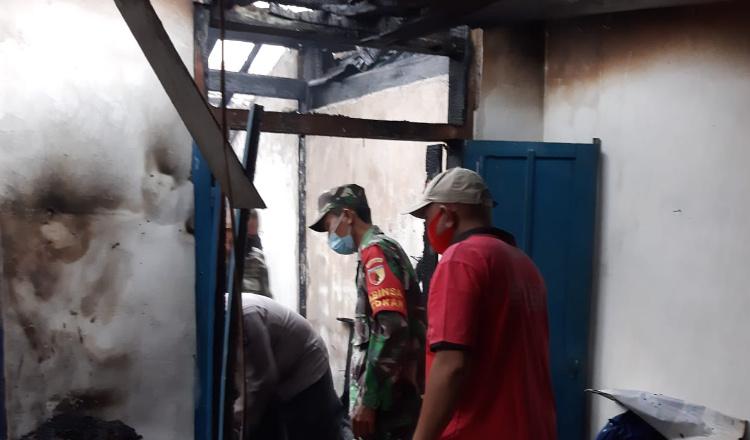 Lupa Matikan Tungku, Rumah Ludes Seorang Menek di Situbondo Dilalap Api