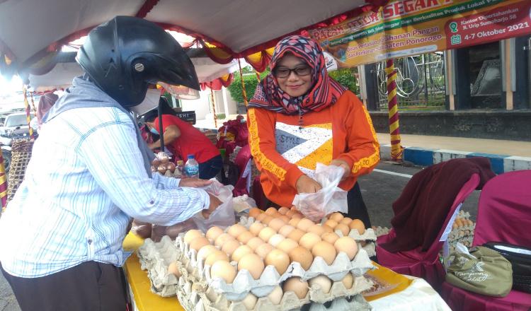 Bazar di Ponorogo, Permudah Peternak dan Pedagang Menjual Telur