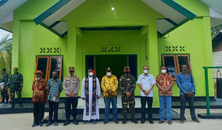 Bupati Keerom Resmikan 1 Unit Greja dan 4 Unit Rumah Pembagunan TMMD Kodim Jayapura
