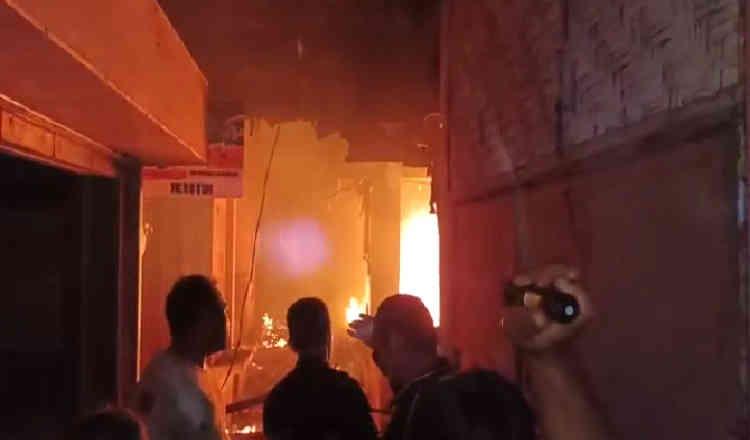 Kebakaran di Pasar Kalibaru Banyuwangi, Diduga Disebabkan Korsleting Listrik