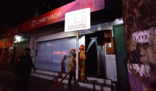 ATM Bank CIMB Niaga Purworejo Terbakar