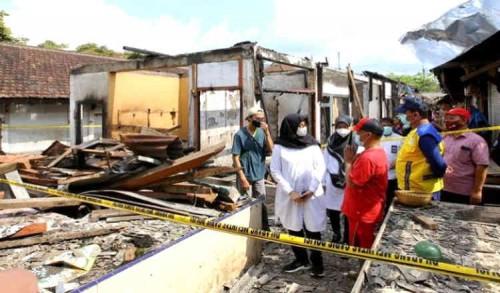 Terbakar, Pemkab Banyuwangi Anggarkan Perbaikan Pasar Kalibaruwetan