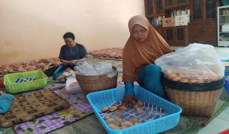 Omset Menurun, Pengusaha Bolu di Magetan Rumahkan Puluhan Karyawannya