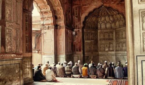 Buya Hamka: Hukum saat Khatib Lupa Rukun Khutbah Jum'at dan Hal-hal yang Berkaitan Dengannya