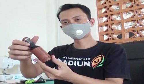 Manfaatkan Limbah Kulit Sapi Pria di Madiun Hasilkan Pundi-pundi Rupiah