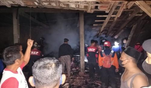 Lupa Matikan Tungku, Rumah Nenek di Ponorogo Ludes Terbakar