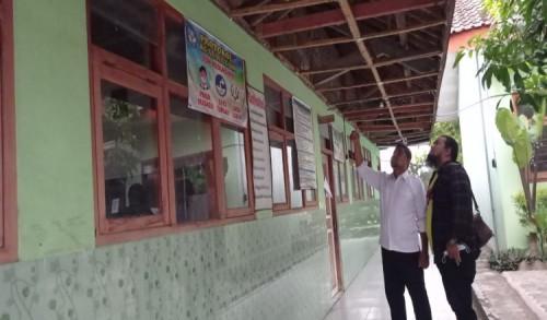 Miris! Gedung Sekolah Hampir Roboh, Pelajar SDN di Ngawi Belajar di Musala